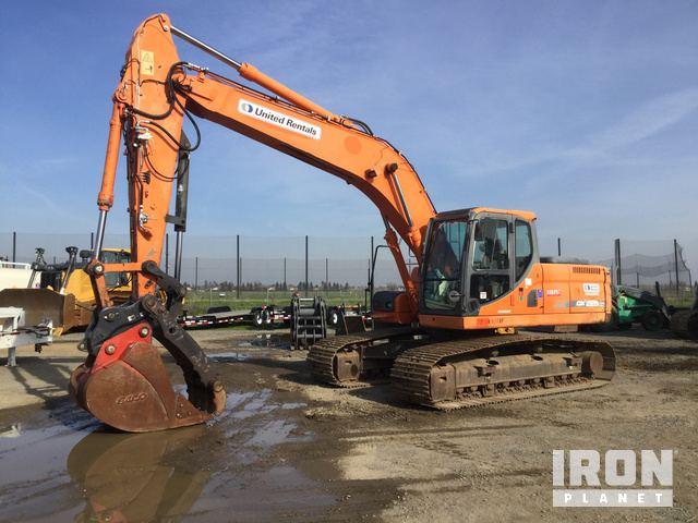 2012 Doosan DX225LC Track Excavator, Hydraulic Excavator