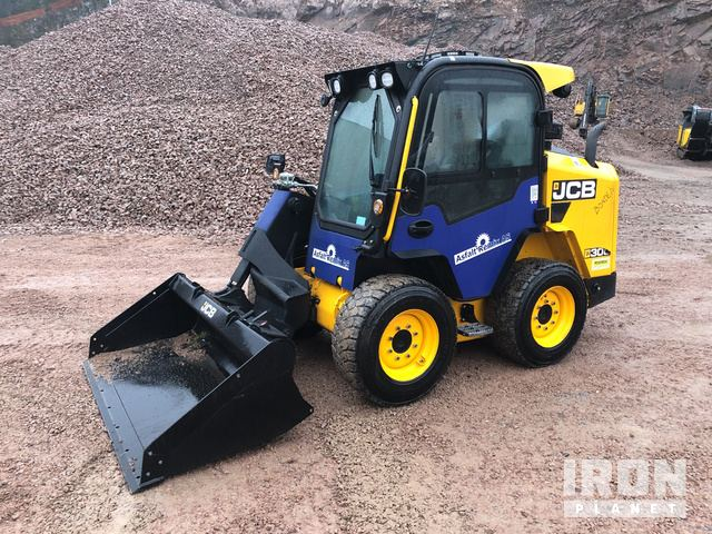 2018 JCB 300 T4 Skid-Steer Loader, Skid Steer Loader