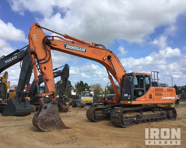 2013 (unverified) Doosan DX300LC-3 Track Excavator, Hydraulic Excavator