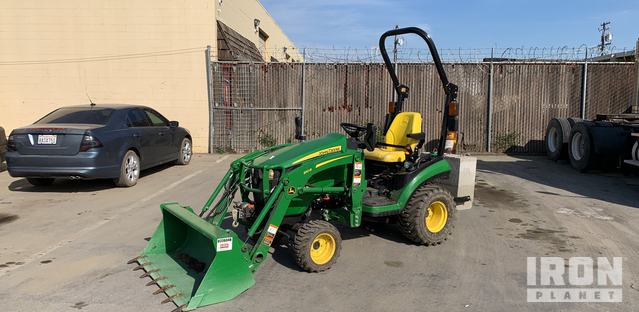 2018 John Deere 1025R Utility Tractor, Utility Tractor