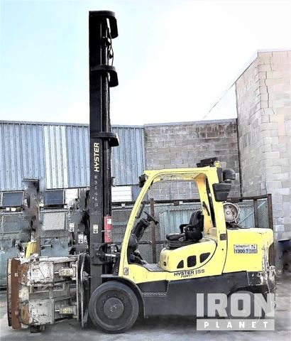 Hyster S155FT Pneumatic Tire Forklift, Container Handler