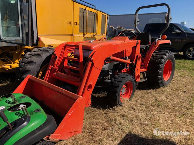 Kubota L3400D 4WD Tractor, MFWD Tractor