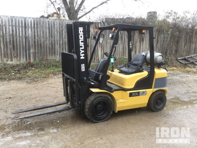 2012 (unverified) Hyundai 30L-7 Pneumatic Tire Forklift, Forklift