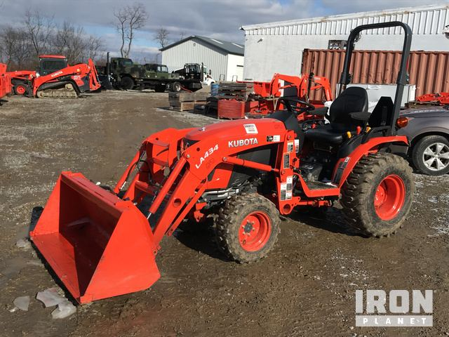 2017 Kubota B2601HSD 4WD Tractor, MFWD Tractor