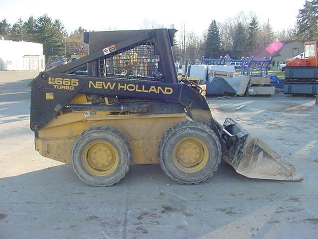 1998 New Holland LX665 Skid-Steer Loader