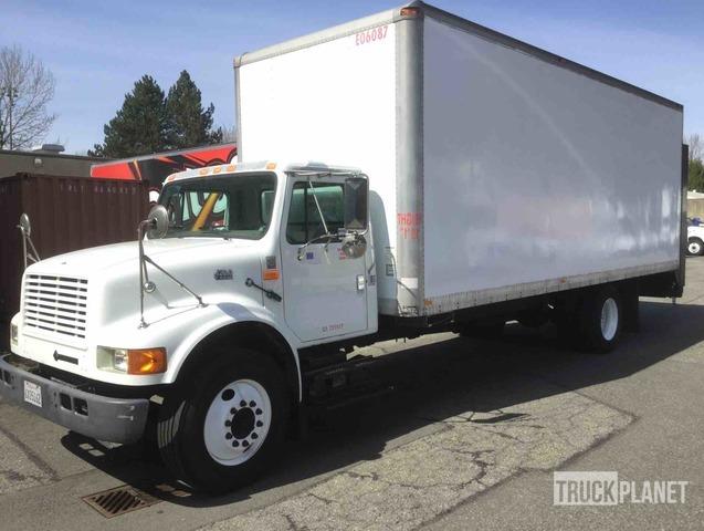 2002 International 4700 Cargo Truck, Van Truck