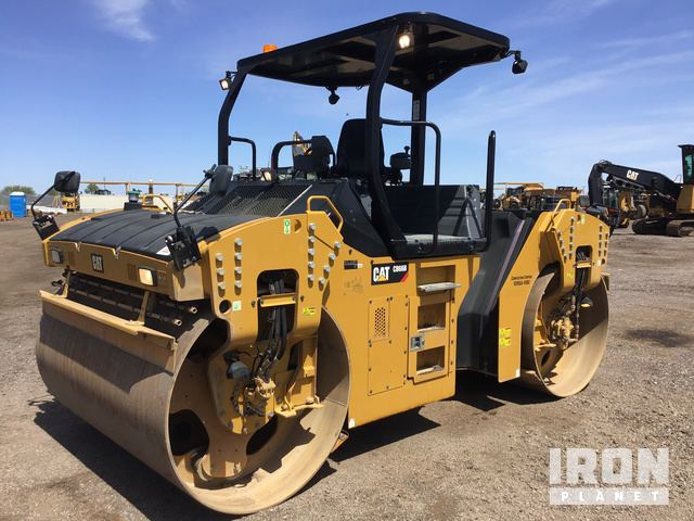 2016 Cat CB66B Vibratory Double Drum Roller, Roller