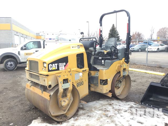 2015 Cat CB34B Vibratory Double Drum Roller, Roller