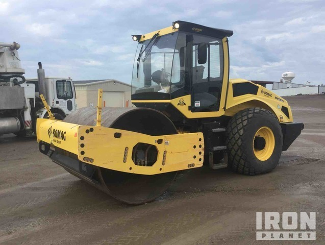 2017 Bomag BW211DH-5 Vibratory Double Drum Roller, Roller