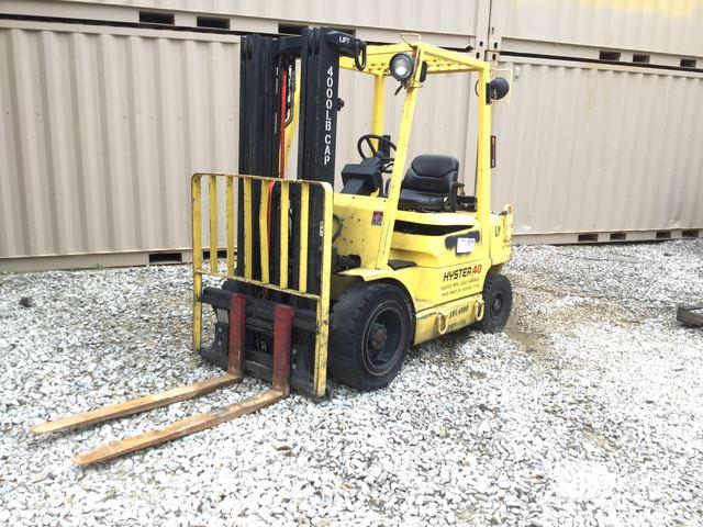 Hyster H40XM Pneumatic Tire Forklift, Forklift