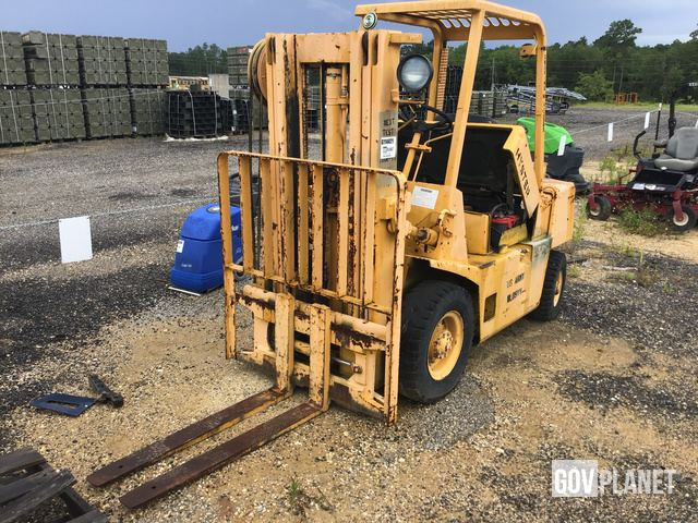 Hyster H40XLM Pneumatic Tire Forklift, Forklift