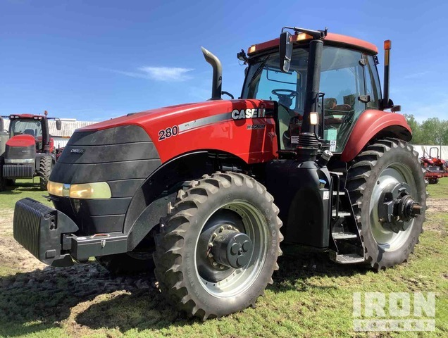 2014 Case IH Magnum 280 4WD Tractor, MFWD Tractor