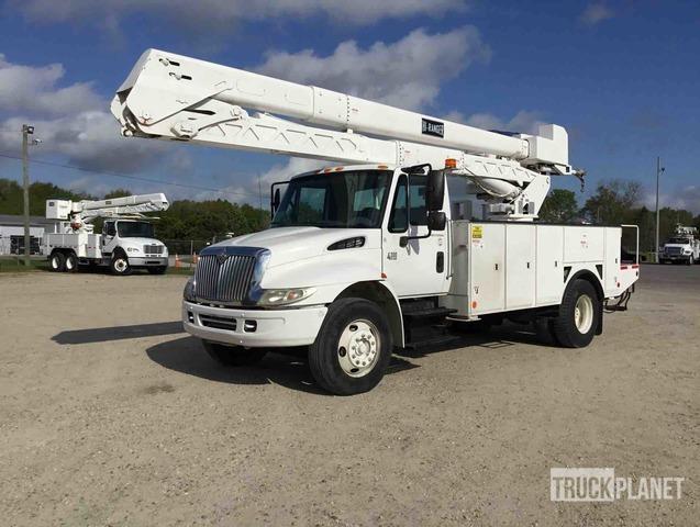 Terex Hi-Ranger TCX-55 Bucket on 2006 International 4300 S/A Truck, Bucket Truck
