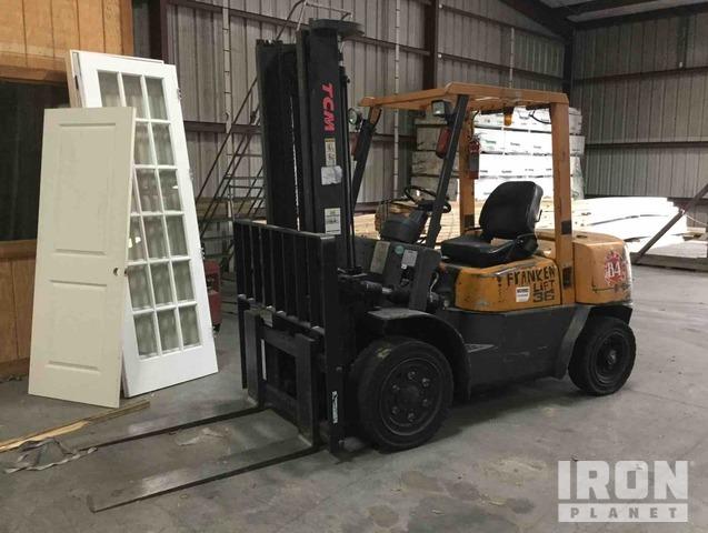 TCM FHD3672 Pneumatic Tire Forklift, Forklift
