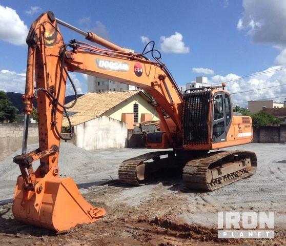 2012 Doosan DX225LCA Track Excavator, Hydraulic Excavator