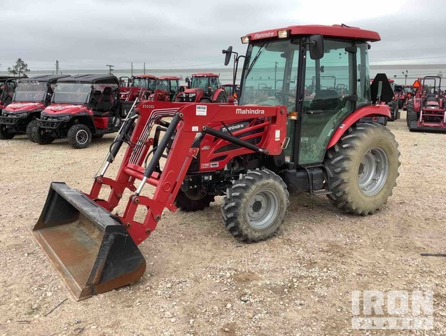 2015 Mahindra 2555CH HST 4WD Tractor, MFWD Tractor