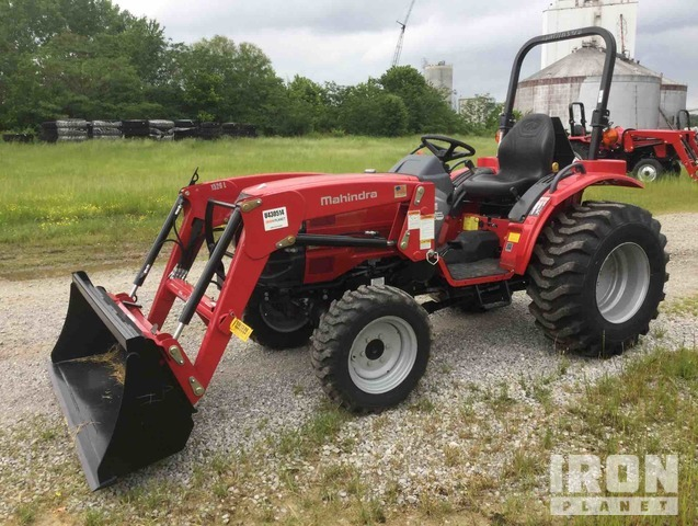 2017 (unverified) Mahindra 1526H HST 4WD Tractor, MFWD Tractor