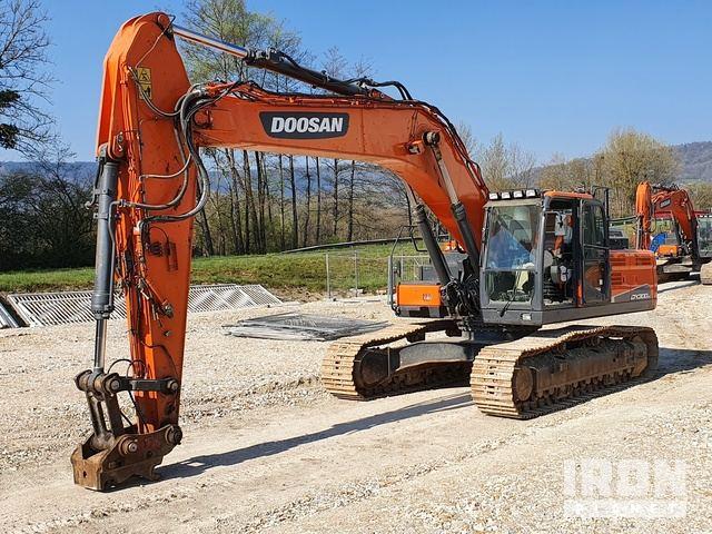 2015 Doosan DX300LC-5 Track Excavator, Hydraulic Excavator