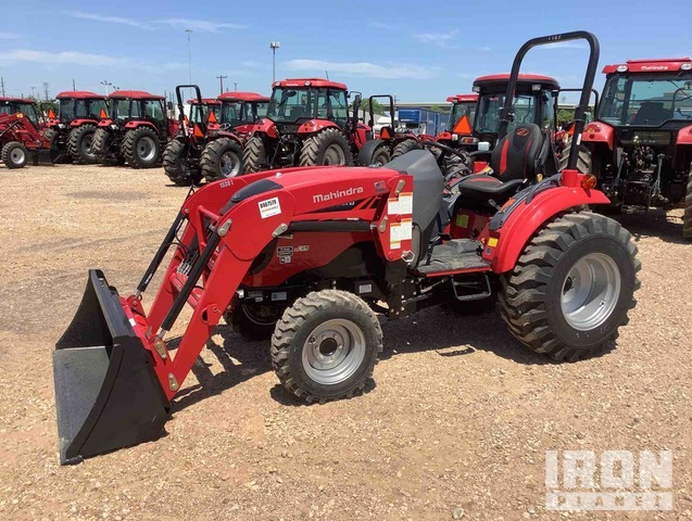 2016 Mahindra 1538NH HST 4WD Tractor, MFWD Tractor