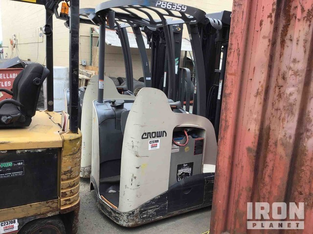 2010 Crown RC5535-35 Electric Forklift, Electric Forklift