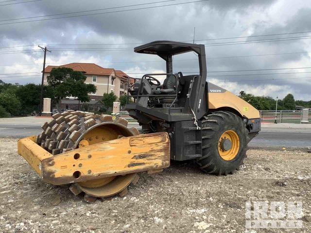2014 Volvo SD115 Vibratory Single Drum Compactor, Vibratory Padfoot Compactor
