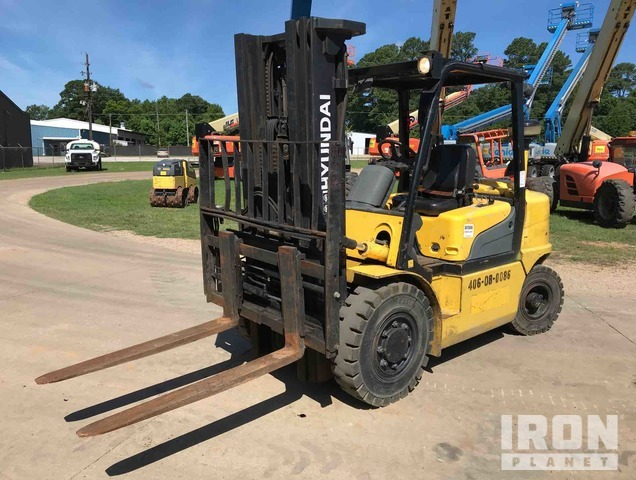 2013 (unverified) Hyundai 35DS-7E Pneumatic Tire Forklift, Forklift