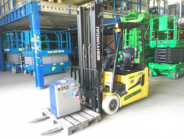 2016 Hyundai 15BT-9 Electric Forklift, Electric Forklift