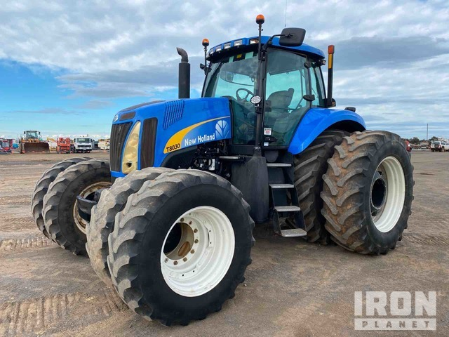 2007 New Holland T8030 4WD Tractor, MFWD Tractor