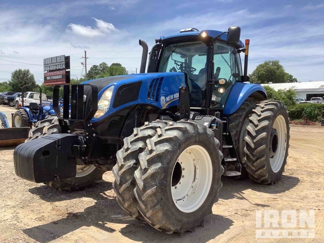 2013 (unverified) New Holland T8.390 4WD Tractor, MFWD Tractor