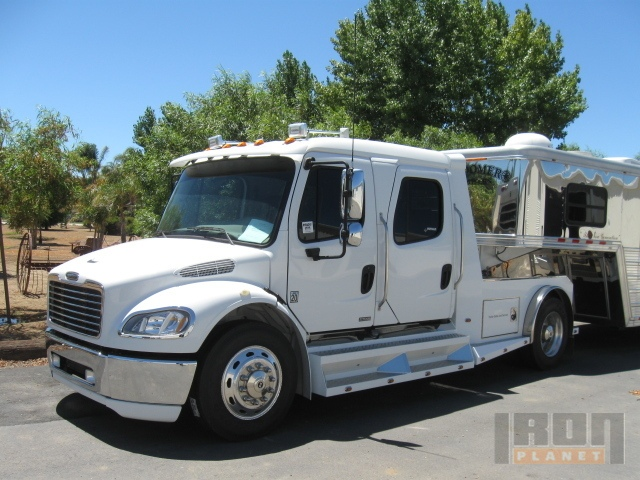 2006 Freightliner M2 106 Crew Cab S/A Conventional Day Cab