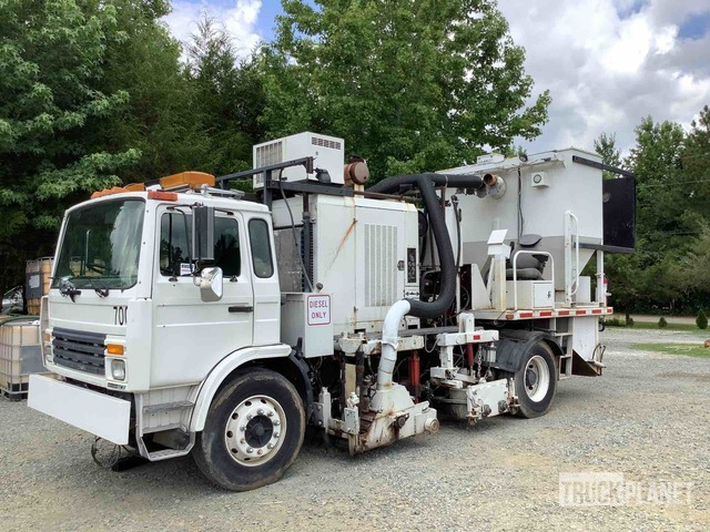 1998 Mack MS300 S/A Grinder Truck w/Saw Cut Attachment, Miscellaneous Truck - Other