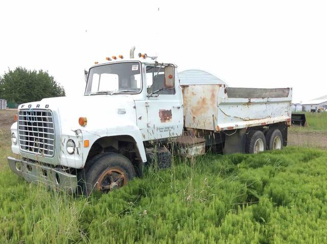 1973 Ford 8000 6x4 T/A Dump Truck