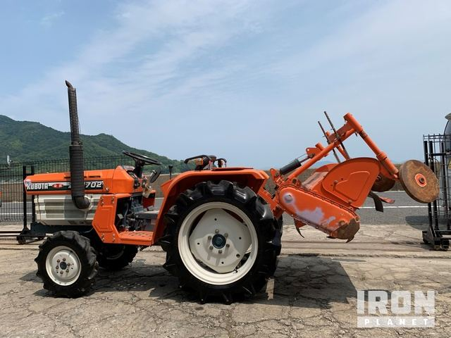 Kubota B1702DT 4WD Tractor, MFWD Tractor