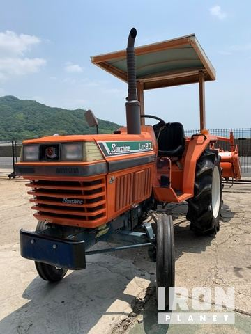 Kubota L1-20 2WD Tractor, 2WD Tractor