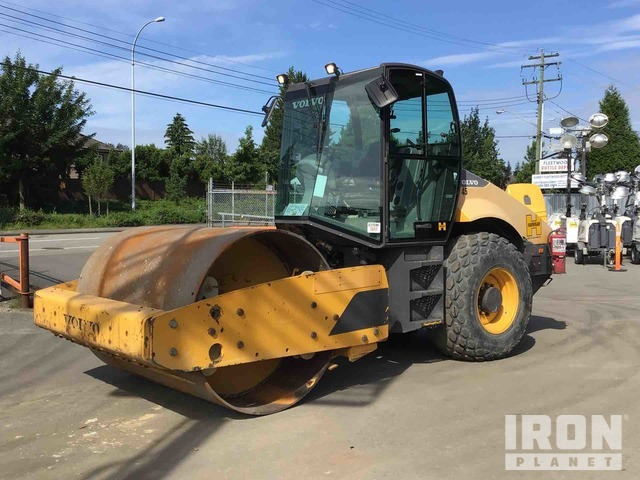 2013 (unverified) Volvo SD115 Vibratory Single Drum Compactor, Vibratory Padfoot Compactor