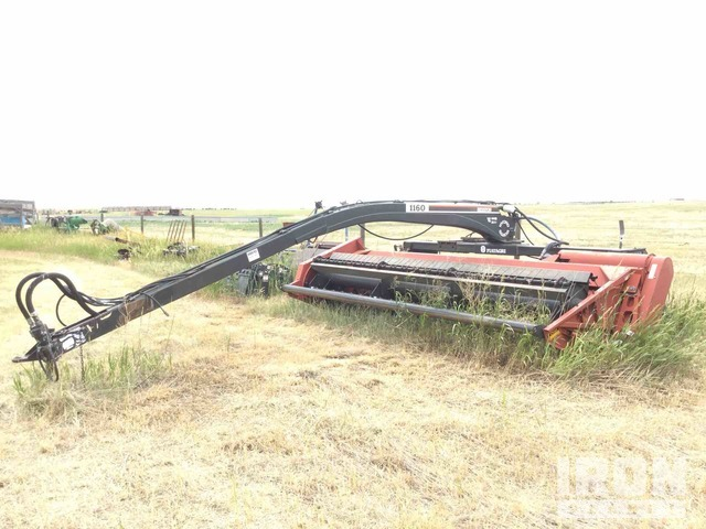 Hesston 1160 Swather/Windrower, Swather
