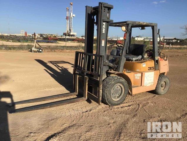 TCM FD35T9 7350 lb Pneumatic Tire Forklift, Forklift