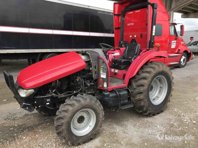 2017 (unverified) Mahindra 2555NC 4WD Tractor, Parts/Stationary Construction-Other