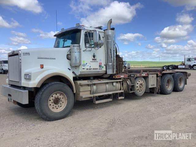2014 Western Star 4900FA 8x4 Tri/A Winch Truck, Winch Tractor