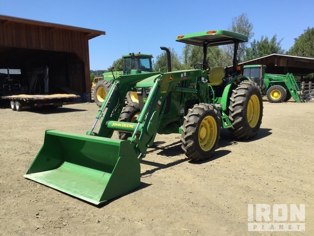 2014 (unverified) John Deere 5085M 4WD Tractor, MFWD Tractor