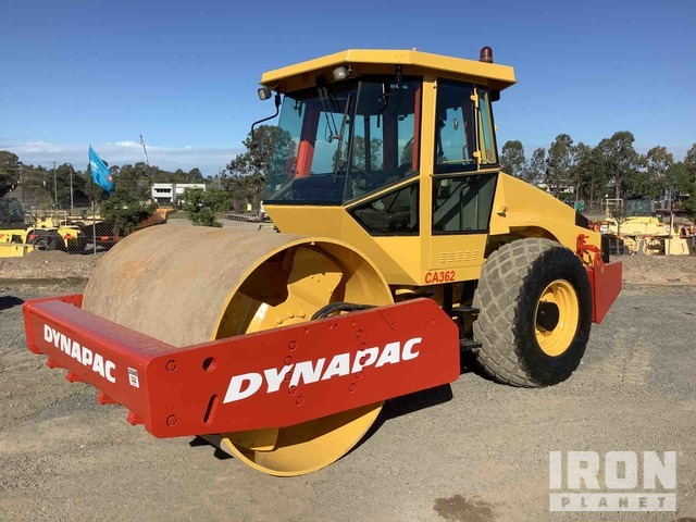 2004 (unverified) Dynapac CA362PD Vibratory Single Drum Roller, Vibratory Padfoot Compactor