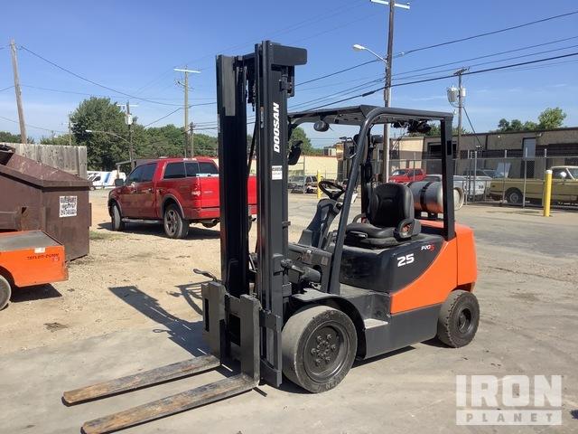 2015 (unverified) Doosan G25P-5 Pneumatic Tire Forklift, Forklift