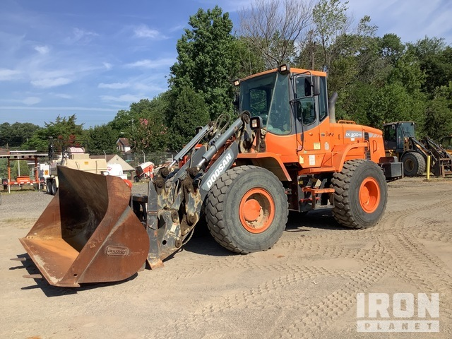 2013 Doosan DL200TC Tool Carrier, Integrated Tool Carrier