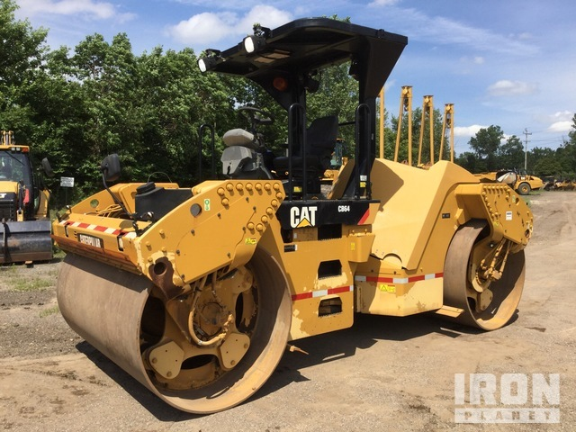 2014 Cat CB64 Vibratory Double Drum Roller, Roller