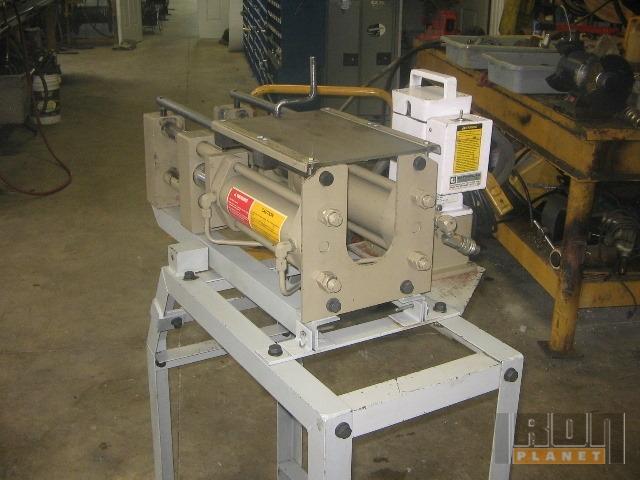 Caterpillar Hose Press w/Pump, Tools & Fittings in Sarnia, Ontario