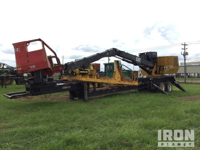 2015 Cat 559C Log Loader on 2016 (unverified) T/A Trailer Chassis, Log Loader