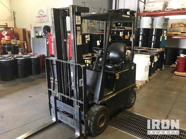 Clark GPS15 Pneumatic Tire Forklift, Forklift