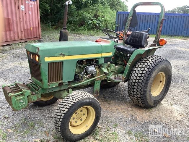 John Deere 750 2WD Tractor, 2WD Tractor
