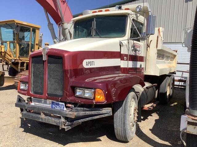 1995 Kenworth T400 T/A Dump Truck