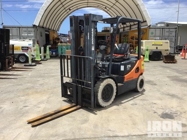2013 (unverified) Doosan G25E-5 Pneumatic Tire Forklift, Forklift
